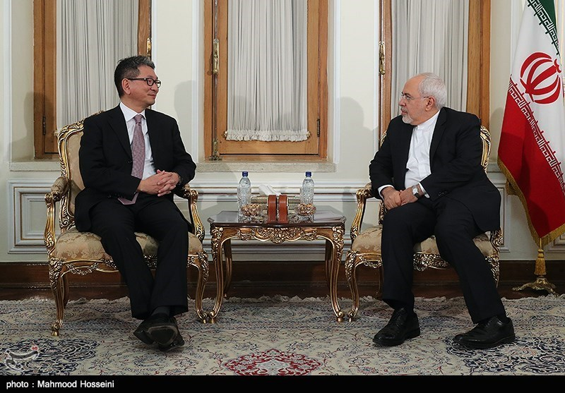 Iran's Zarif, Japanese Diplomat Discuss Closer Ties