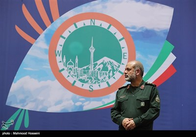 سردار احمد وحیدی رئیس مرکز تحقیقات راهبردی دفاعی و رئیس دانشگاه عالی دفاع ملی در همایش چشم های آسمانی بزرگداشت شهدای اطلاعات دفاع مقدس