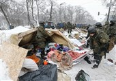 Kiev Utility Workers Remove Opposition's Tent Camp outside Ukrainian Parliament