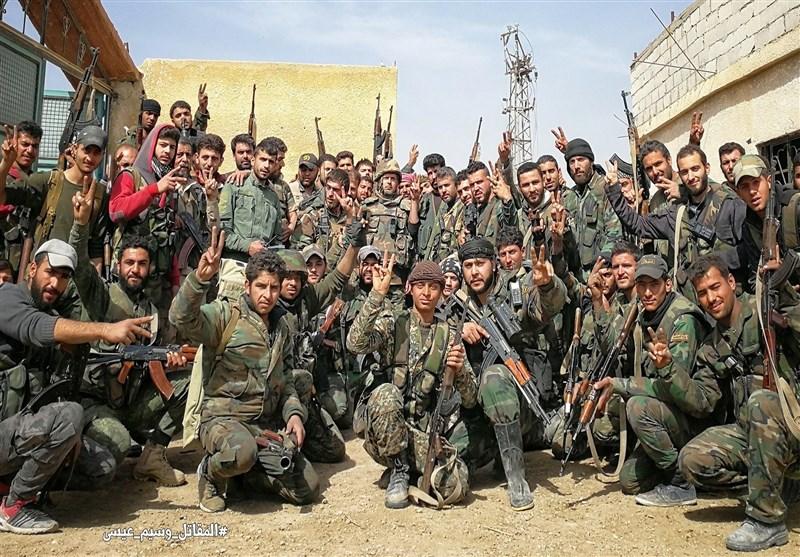 الجیش السوری یواصل تقدمه بریف إدلب الجنوبی ویحرر 11 قریة جدیدة من الإرهاب