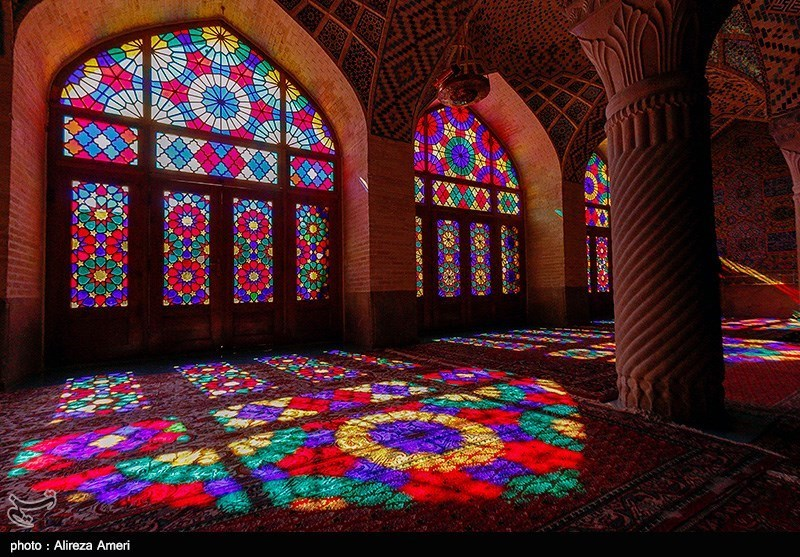The Nasir Al-Mulk Mosque: A Traditional Mosque in Shiraz