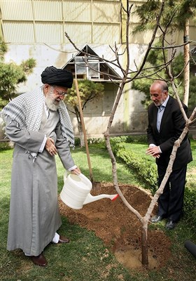 Ayatollah Khamenei Plants Saplings on Tree Plantation Day