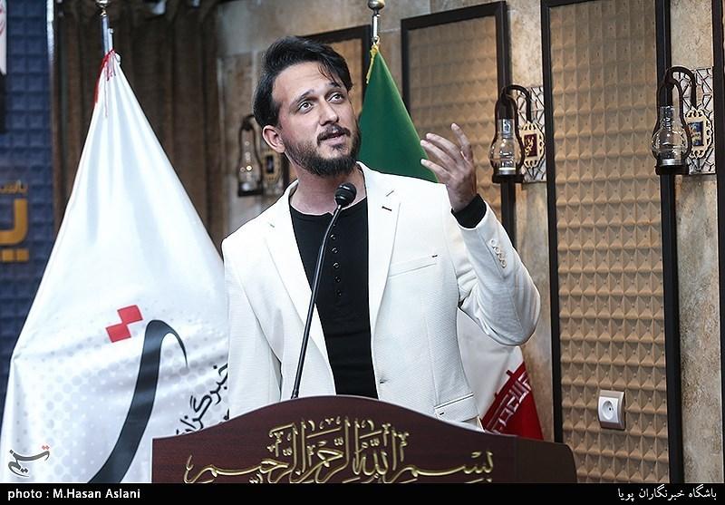 شعرخوانی محمد میرزایی در پانزدهمین محفل شعر «قرار»+فیلم