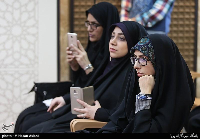 پانزدهمین محفل شعر قرار با حضور صابر خراسانی و فضه سادات حسینی