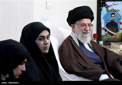 حضور رهبر معظم انقلاب در منزل شهید محمدعلی بایرامی از شهدای ناجا