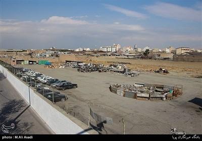 یکی از زمین های خالی واقع در خیابان فدائیان اسلام