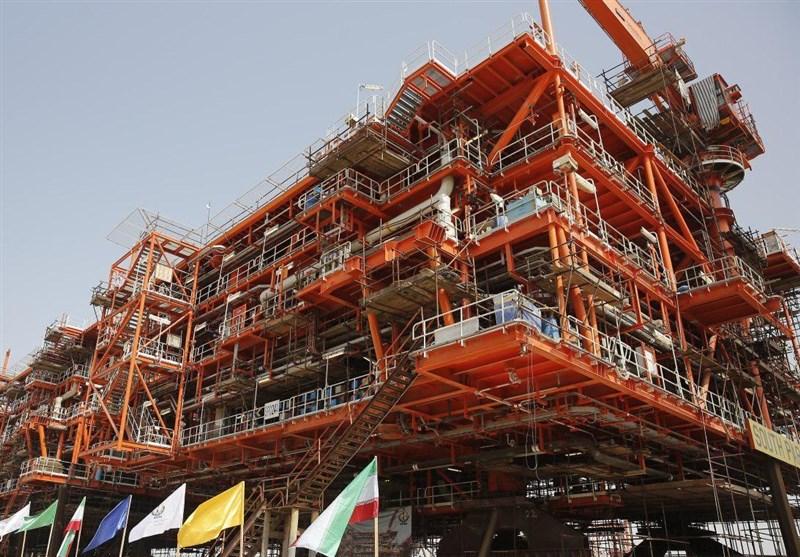 نخستین عرشه دریایی فاز 13 پارس جنوبی در خلیج فارس نصب شد