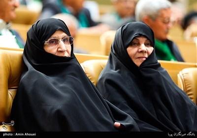 زهرا مصطفوی دختر امام خمینی(ره) در اولین همایش بزرگ سادات