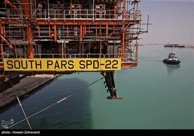 عملیات انتقال سکوی فاز 22 پارس جنوبی