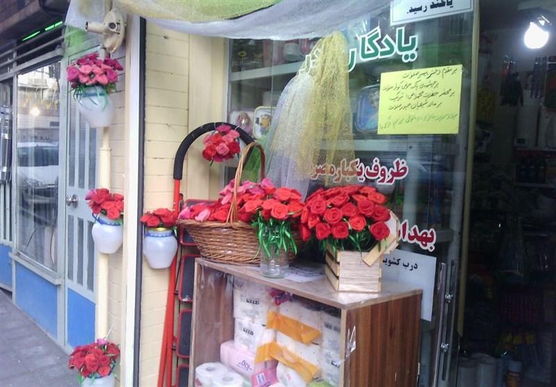 اهدای 500 شاخه گل به مادران شهدا توسط یک بانو+عکس