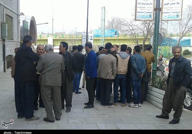 سنندج| تجمع پیمانکاران شهرداری سنندج در اعتراض به تعویق 4 ساله مطالبات