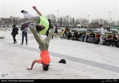 تہران میں اسٹریٹ جیمناسٹکس کے مقابلے