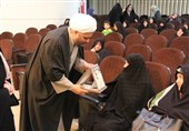 آرامش مبارزان و مدافعان انقلاب در سایه حضور زن معنی پیدا میکند