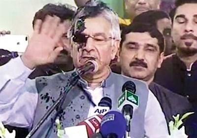 جب پاکستانی شہری اپنے وزیر خارجہ پر سیاہی پھینکتا ہے!!!