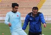 مهابادی: برای ماندن مشکیپوشان در لیگ برتر هیچ ادعایی نداریم/ مگر تیم را خودشان نبستهاند که حالا اعتراض میکنند؟!