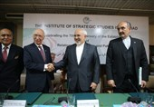 Zarif Holds Major Talks on Energy, Border Security with Pakistanis
