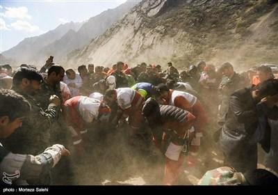 ترک طیارہ حادثہ؛ ایرانی امدادی ٹیموں کی جنازوں کو نکالنے کیلئے بروقت کارروائی