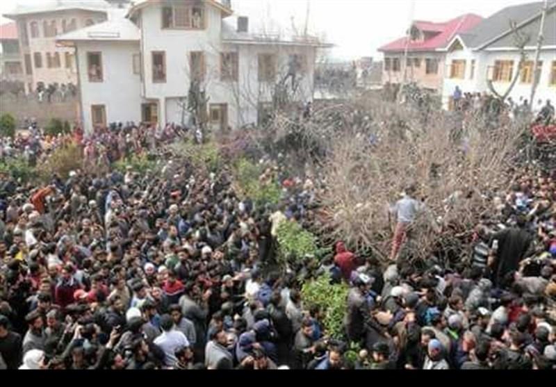 مقبوضہ کشمیر | شہداء کے جنازوں میں ہزاروں فرزندان اسلام کی شرکت