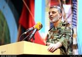 سرلشکر موسوی: ارتش و سپاه تا سرکوب توطئههای آمریکا دست از دست یکدیگر جدا نخواهند کرد