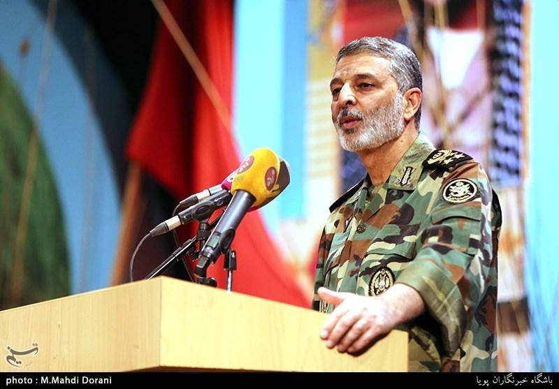 فرمانده کل ارتش: خدمت در ارتش جمهوری اسلامی ایران یک فرصت است