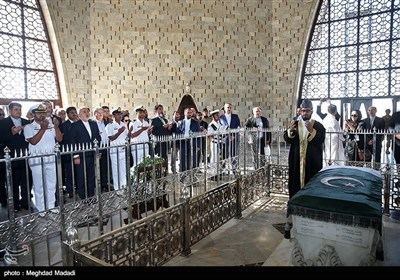 ادای احترام محمدجواد ظریف وزیر امور خارجه به آرامگاه محمدعلی جناح قائد اعظم پاکستان - کراچی پاکستان