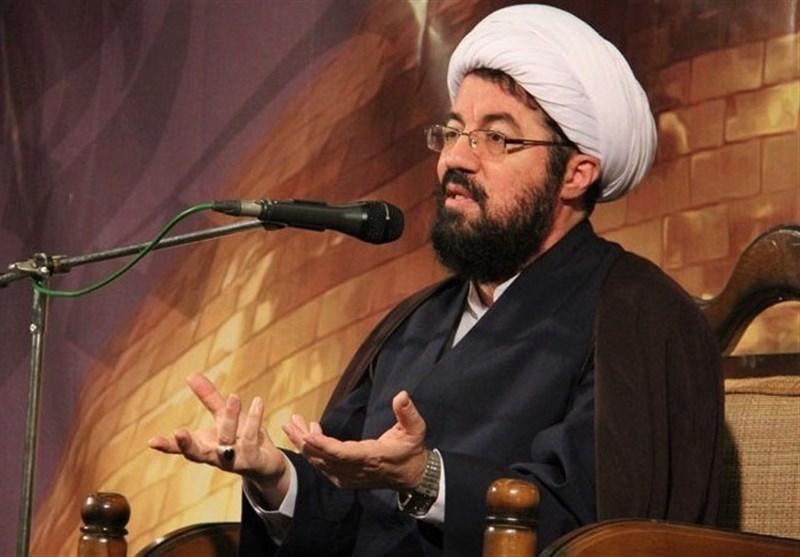 """حجتالاسلام عالی در """"بدون تعارف"""": لبخند کافی نیست؛ باید دل شاد شود/ توصیه اهلبیت در سختیها و بلایا"""