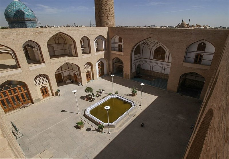 اصفهان وقتی گردشگران خارجی از مسجد علی اصفهان مینویسند + عکس
