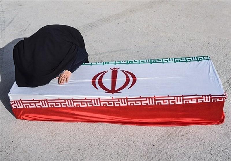ورود پیکر پاک ۴۶ شهید دفاع مقدس به مرز مهران به روایت تصویر