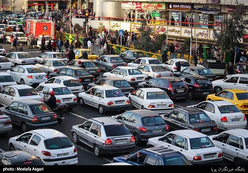 کرج| ترافیک در محور کرج- چالوس سنگین است