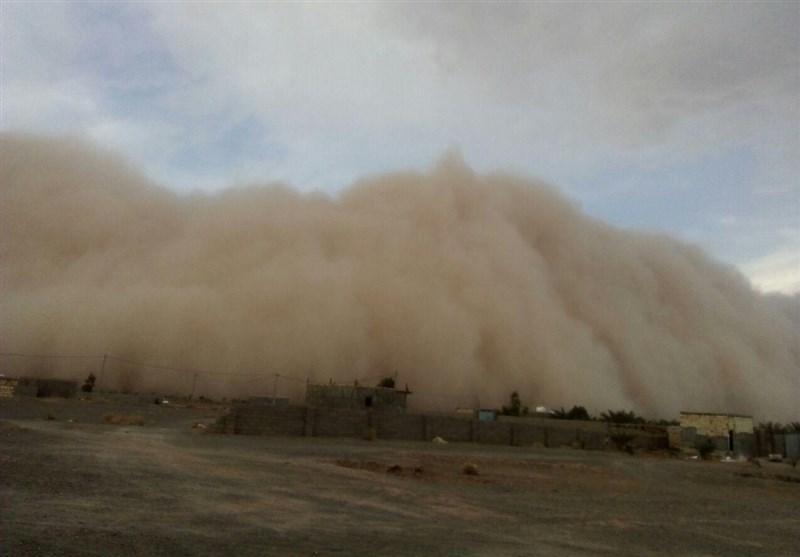 طوفان در نایین اصفهان؛ آمادهباش کامل اورژانس