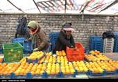 شهرکرد  هوای نیمه ابری بازار میوه شب عید; قیمتهای گزافی که مردم را از خرید پشیمان میکند