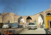 اصفهان| اختلاف 10 میلیاردی کاروانسرای تاریخی را به مخروبه تبدیل کرد+عکس