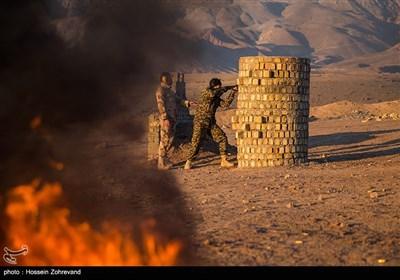 نیروهای یگان ویژه فاتحین در حال تمرین جنگ شهری