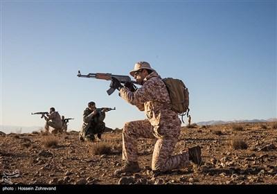 نیروهای یگان ویژه فاتحین در حال تمرین تاکتیکی