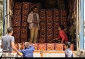 کرمان| توزیع میوه نوروزی در کرمان به روایت تصویر