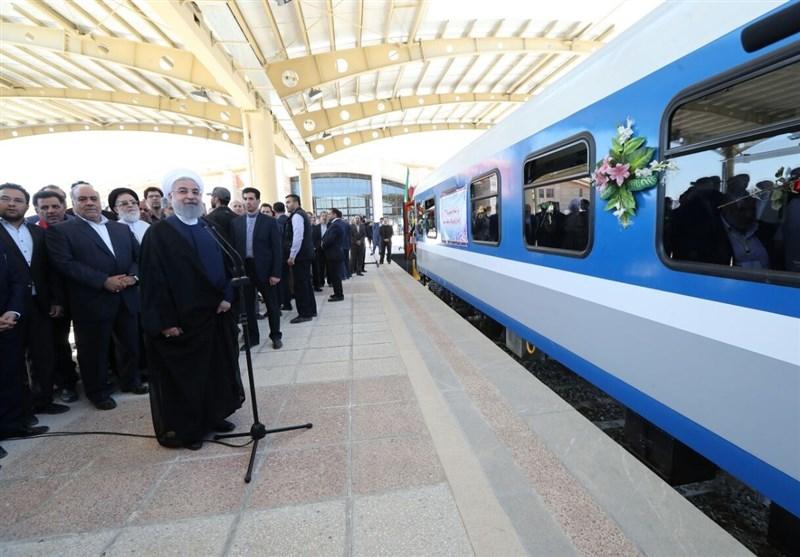 کرمانشاه| روحانی راهآهن غرب کشور را افتتاح کرد؛ حرکت نخستین قطار به سمت مشهد مقدس