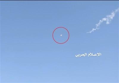 بالفیدیو: الدفاعات الجویة الیمنیة تصیب طائرة F15 السعودیة فی سماء صعدة