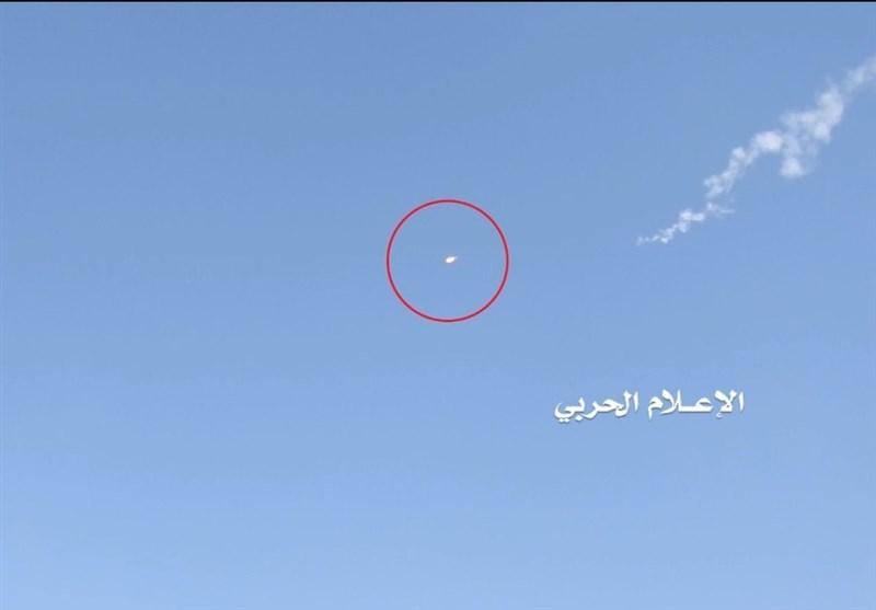 بالفیدیو: الدفاعات الجویة الیمنیة تصیب طائرة F15 معادیة فی سماء صعدة