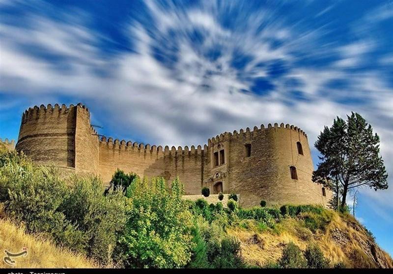 زلزله به قلعه فلکالافلاک لرستان آسیب زد