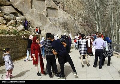 مسافران نوروزی در گنجنامه همدان