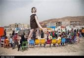 عروسکها برای کودکان مناطق زلزلهزده کرمانشاه شادپیمایی میکنند