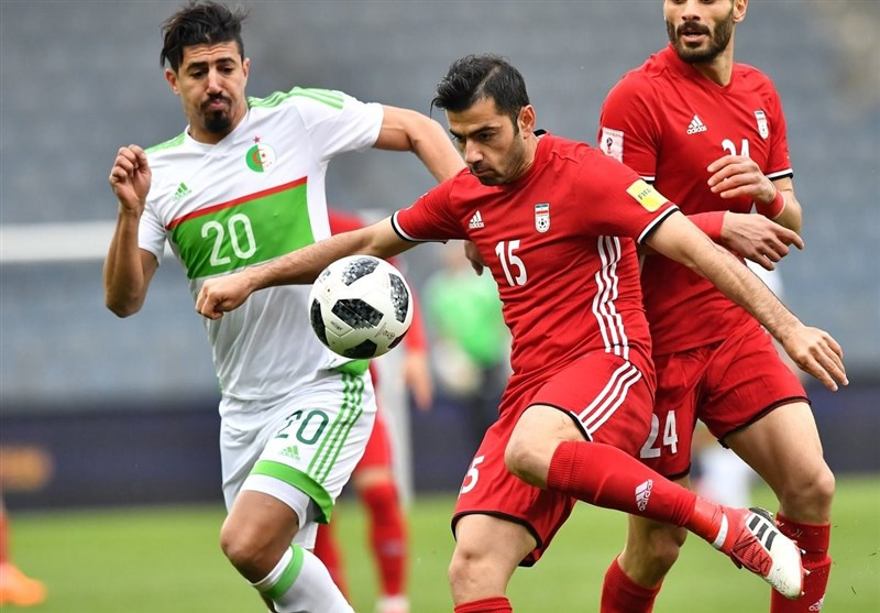 عزیزی: اگر کیروش صعود ایران از مرحله گروهی جام جهانی را تضمین میکند، لیگ را تعطیل کنید!/ جداکردن بازیکنان داخلی از لژیونرها ظلم است