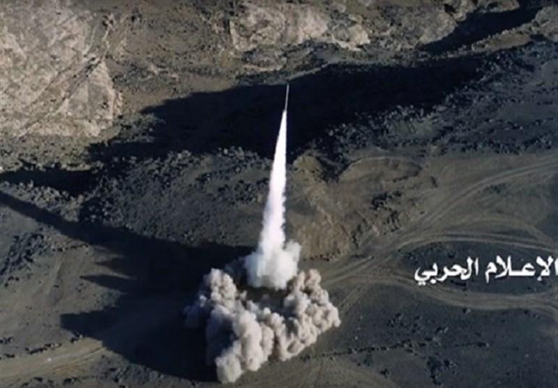 تحولات یمن|شلیک موشک بالستیک به مرکز تجمع متجاوزان در ساحل غربی