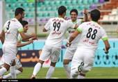 لیگ برتر فوتبال قلعهنویی با شکست یک پرسپولیسی از استقلال عبور کرد/ ذوبآهن «ولکن» رده دوم نیست