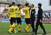 تقسیم امتیازات در نیمه نخست بازی نفت مسجدسلیمان و پرسپولیس