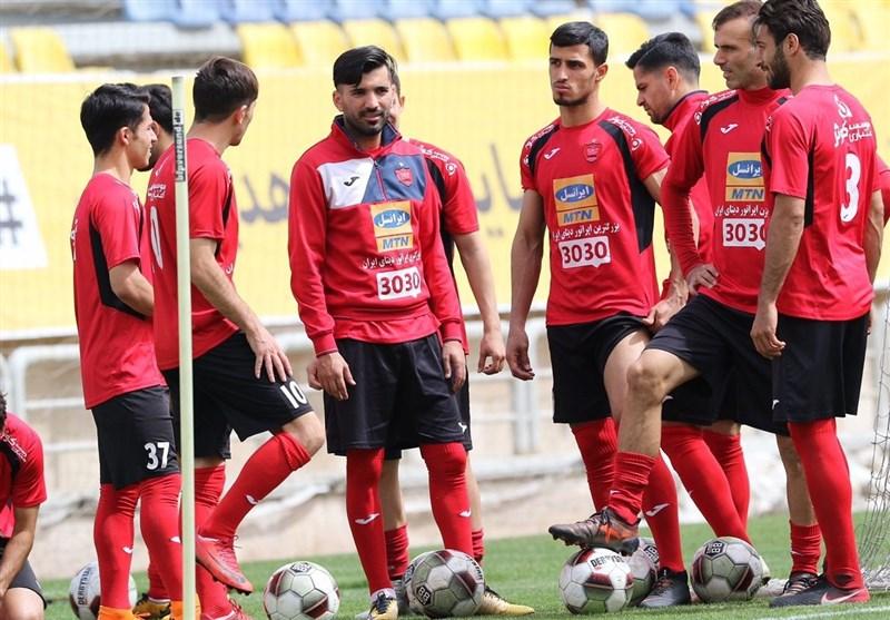 انتقاد شدید برانکو از برخی بازیکنان در حضور مربیان سرخابی/ هواداران خواستار تمدید قرارداد مسلمان شدند + عکس