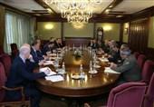 تاکید وزیر دفاع ایران و معاون نخستوزیر روسیه بر گسترش روابط دفاعی و نظامی