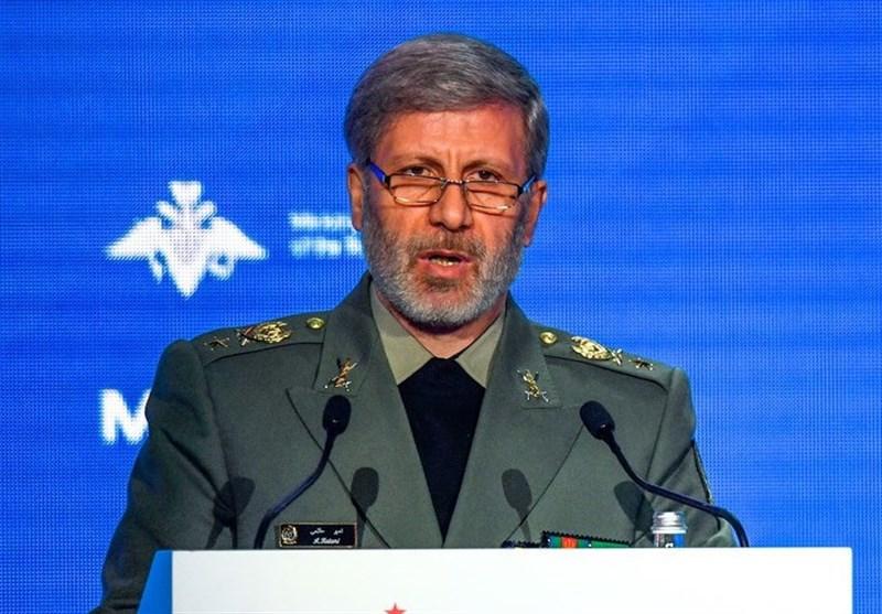وزیر دفاع: به اثربخشی موشکها تمرکز کردهایم/ انعقاد قرارداد 2500 میلیارد تومانی با خودروسازان