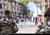 مقبوضہ کشمیر میں بھارتی فورسز کی مظاہرین پر فائرنگ، متعدد زخمی