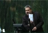 فلاحتپیشه: آقای سیف، شما به مردم ایران خیانت میکنید